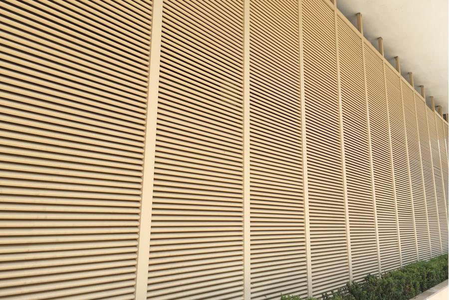 Большая секционная вентиляционная решетка