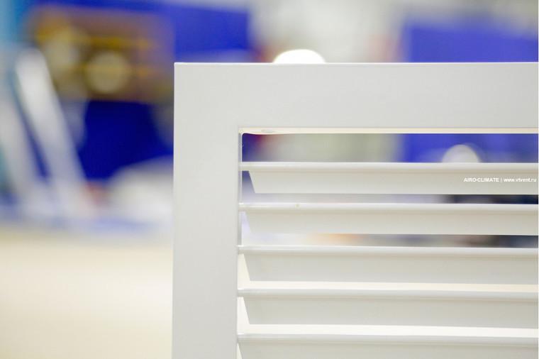 AIRO-R1 регулируемая вентиляционная решетка однорядная