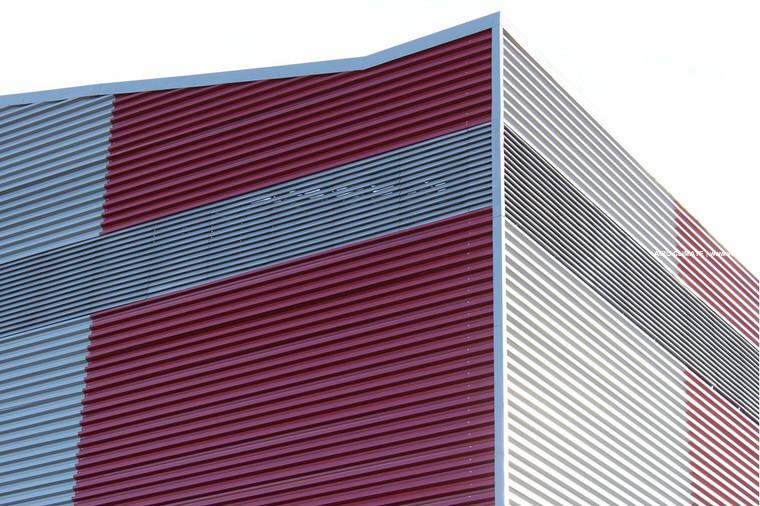 Жалюзийные фасады зданий
